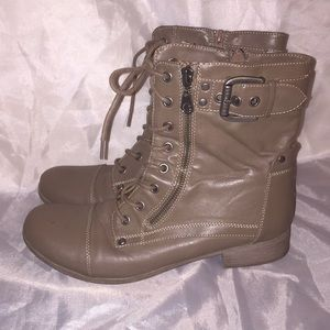 Guess ⭐️ zip/lace up booties Sz 8.5 ⭐️ Barely worn